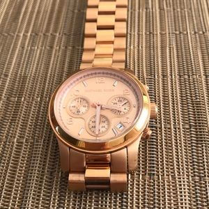 MICHAEL KORS WOMAN'S ROSE GOLD-TONE WATCH MK5128
